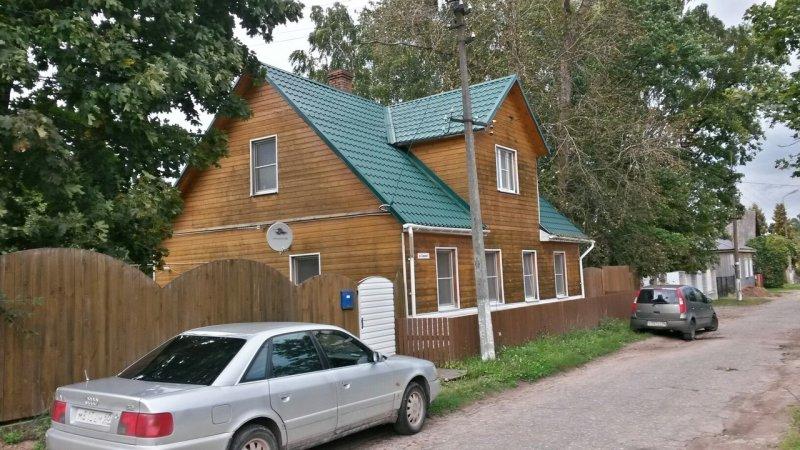 продам 2 этажный дом в центре города печоры. построен в 2003 году. сан.узел в доме. все...