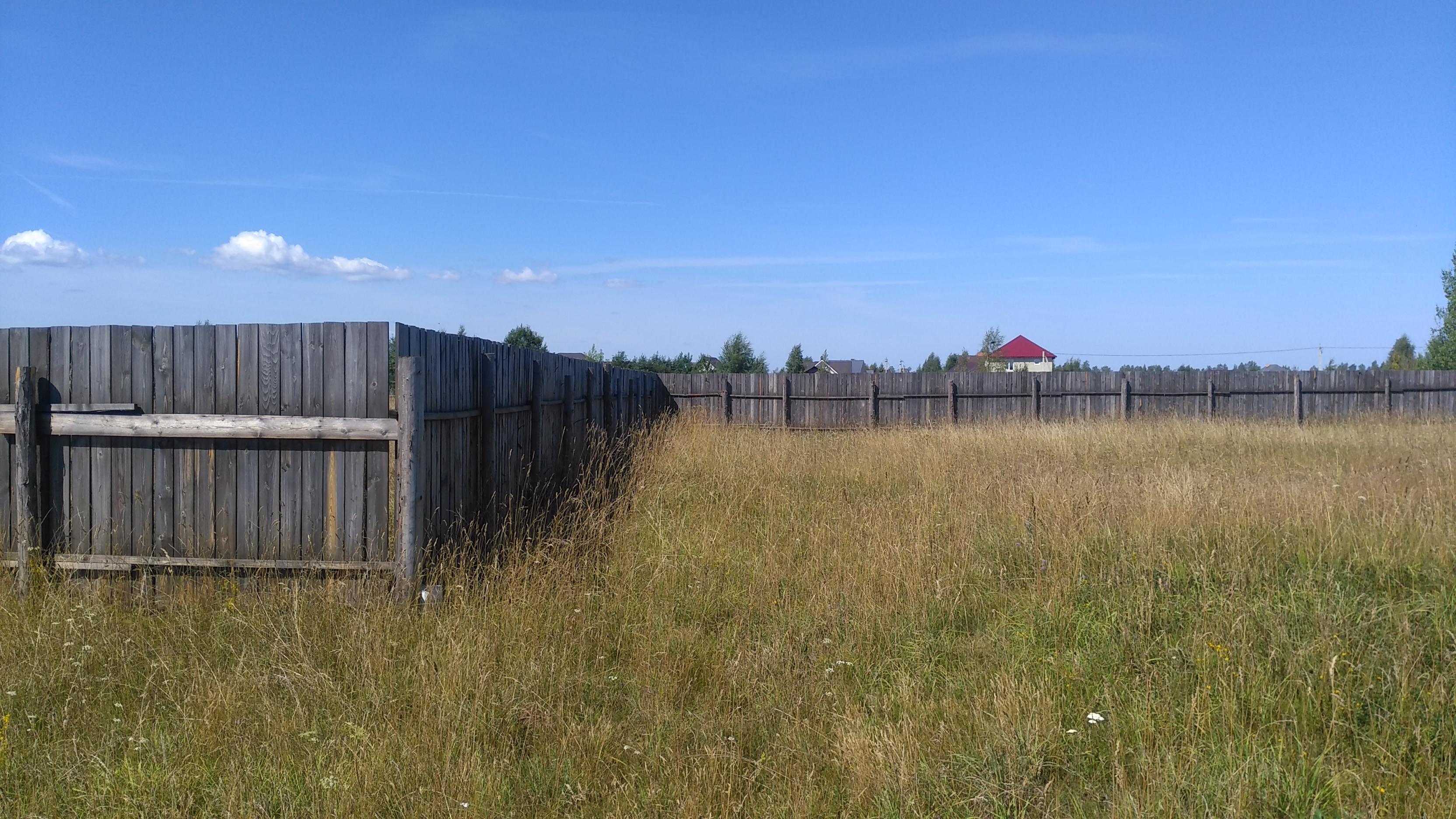 Земельный участок 1806 кв.м в д. Подосье